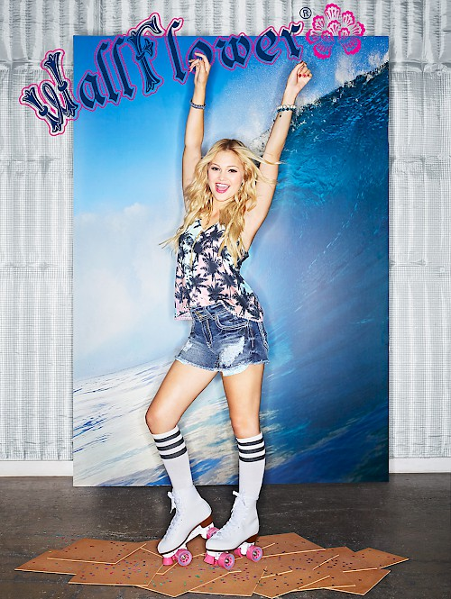 WallFlower Jeans - Olivia Holt Surf
