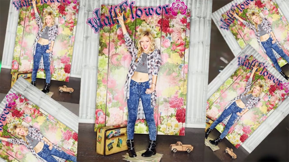 WallFlower Jeans - Olivia Holt